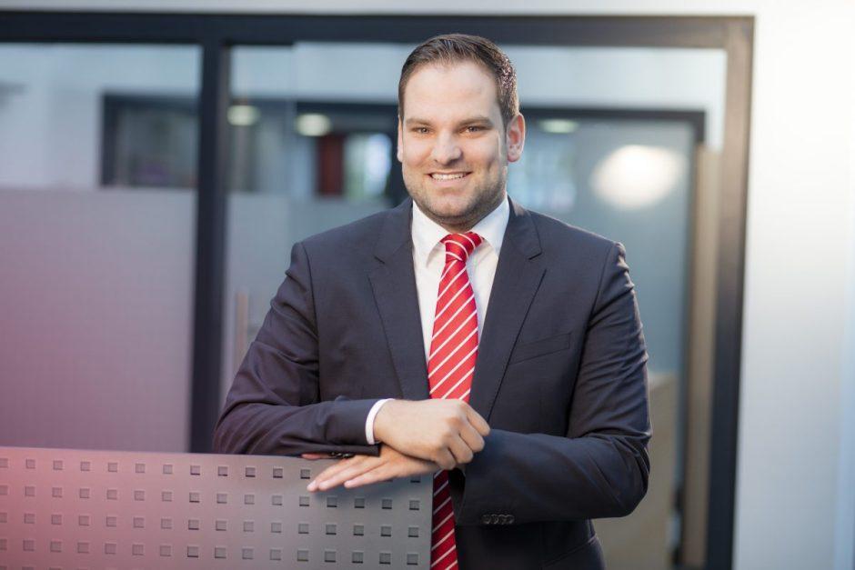 Marco Rhein: Sport und Karriere vereinbaren, immer am Ball bleiben